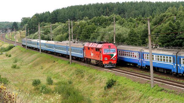 Поезд и электричка БЖД. Архивное фото - Sputnik Беларусь