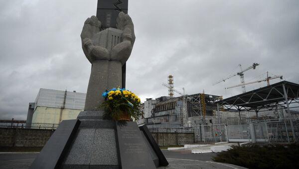 Помнік ліквідатарам наступстваў аварыі на Чарнобыльскай АЭС - Sputnik Беларусь