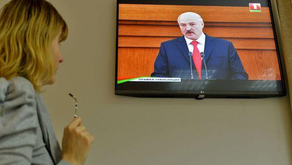 Трансляцыя паслання прэзідэнта Беларусі Лукашэнкі - Sputnik Беларусь