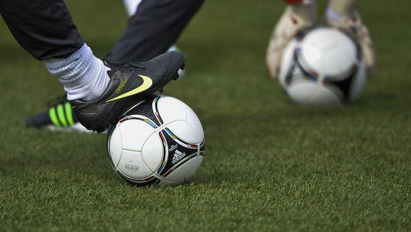 Футбольная тренировка. Архивное фото - Sputnik Беларусь