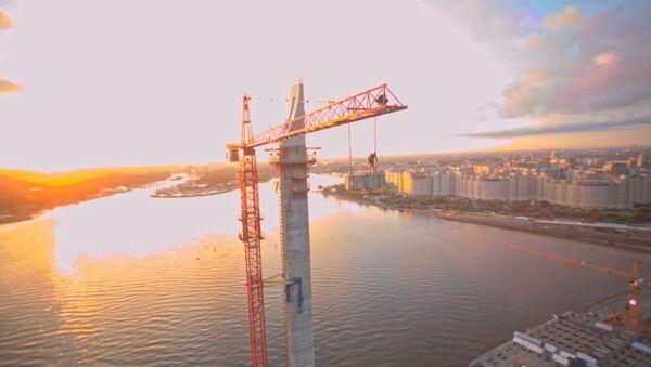 СПУТНИК_Прыжки бейсджамперов со 120-метрового крана в Петербурге. Съемка с воздуха - Sputnik Беларусь