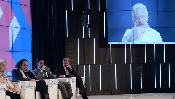 Форум Новая эпоха журналистики: прощание с мейнстримом. День второй - Sputnik Беларусь