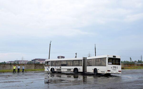 Полигон для проведения заездов развернули в Гомельской автопарке №26 на окраине северной гомельской промзоны - Sputnik Беларусь