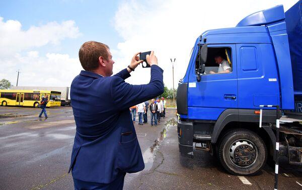 Фото участников на стартовой линии останутся в личных архивах и появятся на профсоюзных стендах - Sputnik Беларусь