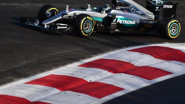Mercedes AMG Petronas F1 komandasının alman sürücü Nico Rosberg - Sputnik Беларусь