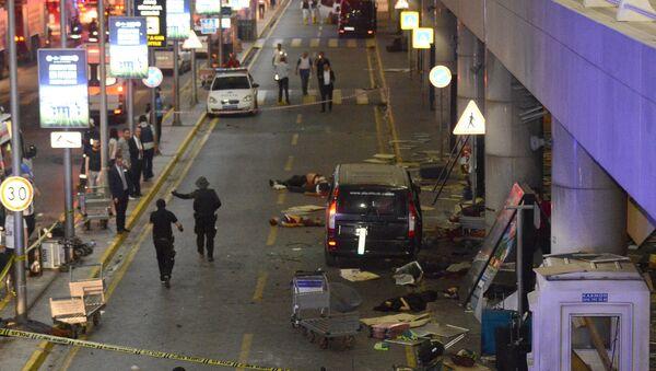 Аэропорт Турции Ататюрк в Стамбуле после взрыва - Sputnik Беларусь