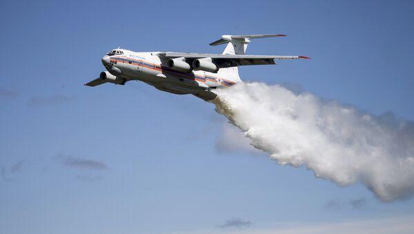 Самолет МЧС Ил-76 - Sputnik Беларусь