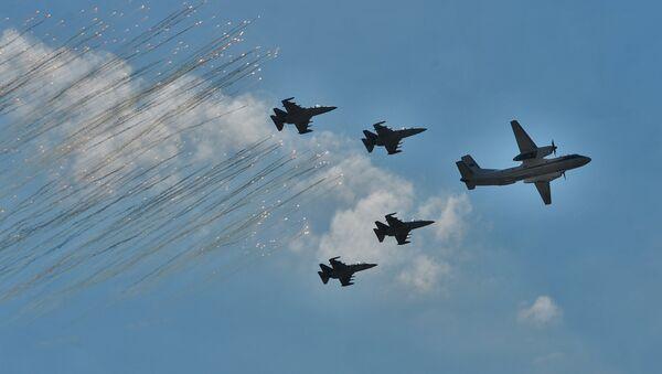 Авиация на параде 3 июля в Минске - Sputnik Беларусь