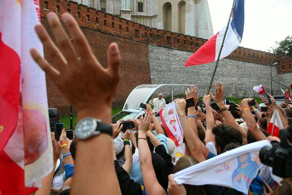 Папа Рымскі Францыск выступіў у каралеўскім замку Вавель - Sputnik Беларусь