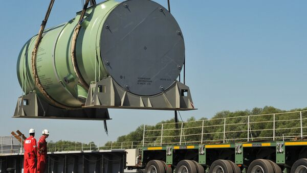 Транспортировка корпуса реактора на строящуюся АЭС, архивное фото - Sputnik Беларусь