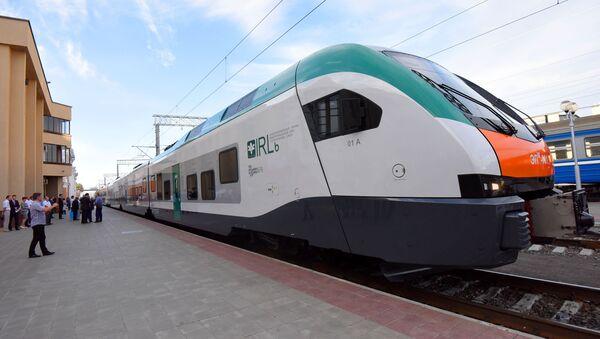 Первый в Беларуси электропоезд межрегиональных линий бизнес-класса - Sputnik Беларусь