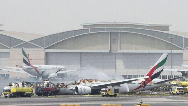 Пожар в аэропорту Дубая - Sputnik Беларусь