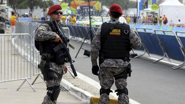 Бразильские полицейские на улицах Рио - Sputnik Беларусь