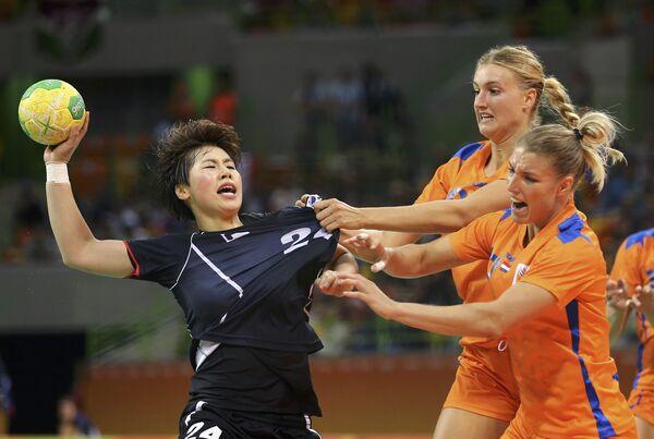Женская предварительная группа по гандболу - Sputnik Беларусь