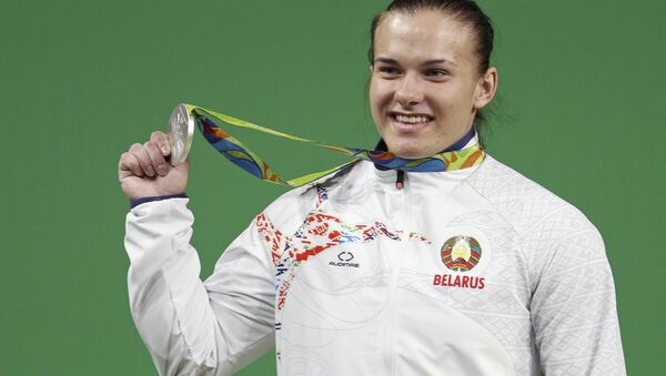 Обладательница серебра ОИ-2016 тяжелоатлетка Дарья Наумова - Sputnik Беларусь