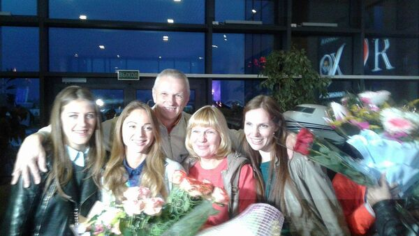 Александра Герасименя вместе со своей семьей - Sputnik Беларусь