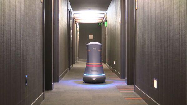 Робот-дворецкий разносит воду по номерам в отеле Сан-Франциско - Sputnik Беларусь