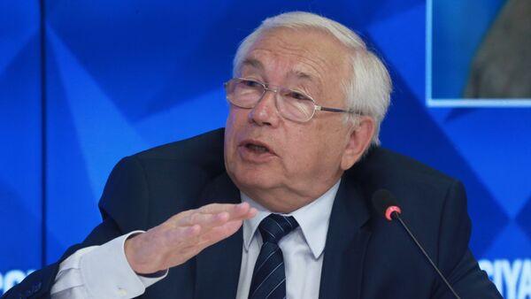Президент Паралимпийского комитета России Владимир Лукин - Sputnik Беларусь