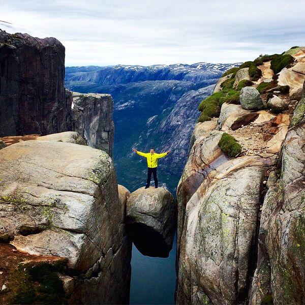 Кьерагболтен – камень паміж скал на вышыні 989 метраў у Нарвегіі. - Sputnik Беларусь
