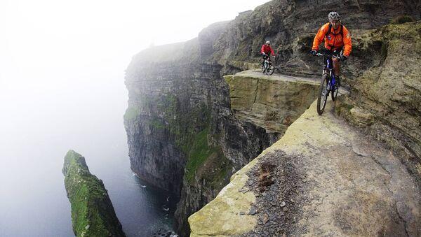 Скалы махера ў Ірландыі – упадабанае месца для веласіпедыстаў, хоць максімальная шырыня сцежкі – 120 сантыметраў - Sputnik Беларусь