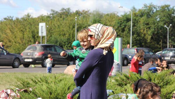 Беженцы у пункта пропуска Брест - Sputnik Беларусь