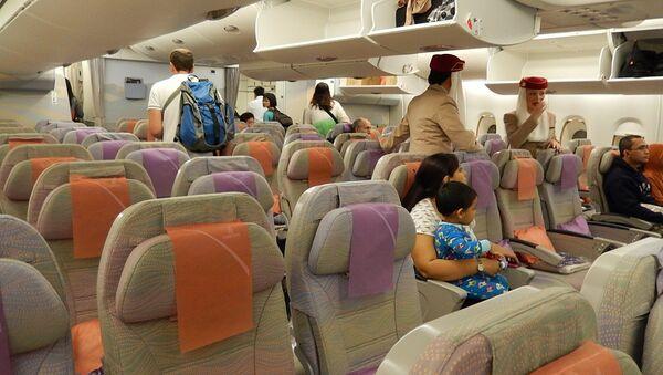 Салон самолета компании Emirates - Sputnik Беларусь