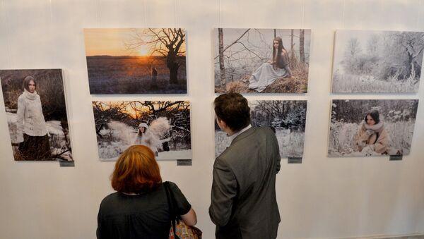 На выставке Пушча, лён, прыгажуні арт-проекта Ирены Гудиевской Зачараванне в МИД Беларуси - Sputnik Беларусь