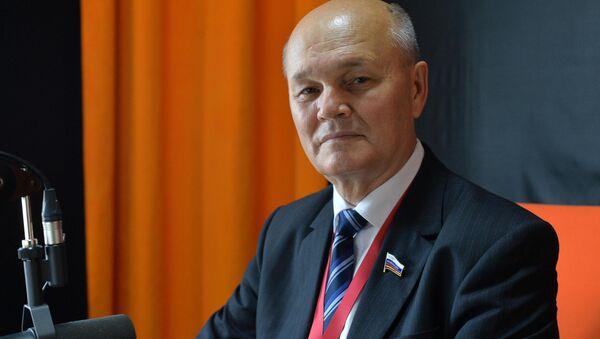 Сенатор Михаил Щетинин - Sputnik Беларусь