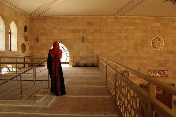 Мусульманка в Минской соборной мечети - Sputnik Беларусь