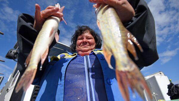 Калі ў сям'і няма рыбакоў, шчупака можна набыць на кірмашы - Sputnik Беларусь