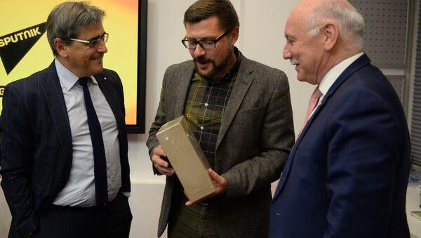 Глава МИД Парагвая Эладио Лойсага посетил офис Sputnik - Sputnik Беларусь
