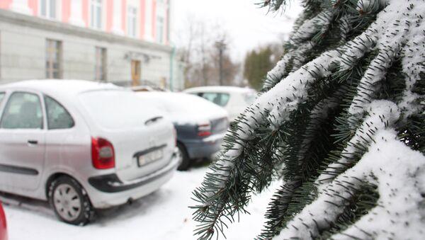Снег и автомобили - Sputnik Беларусь