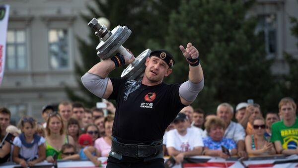 Победитель Arnold Amateur Strongman World Championships - 2013 Михаил Шивляков - Sputnik Беларусь