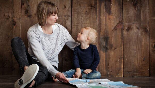 Мама с ребенком - Sputnik Беларусь