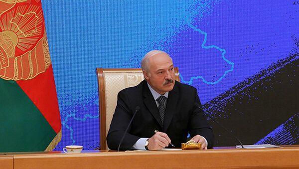 Президент Беларуси Александр Лукашенко проводит пресс-конференцию для представителей российских региональных СМИ - Sputnik Беларусь