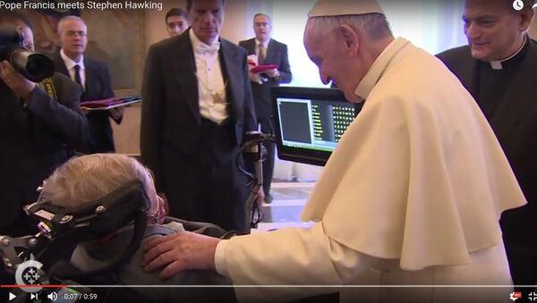 Відэафакт: Папа Францішак сустрэўся з фізікам Стывенам Хокінгам - Sputnik Беларусь