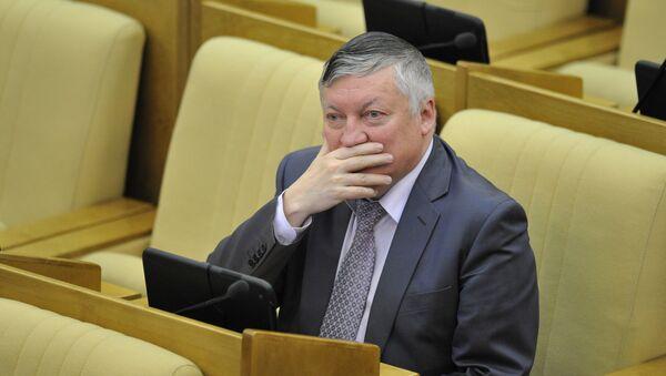 12-й чемпион мира по шахматам Анатолий Карпов - Sputnik Беларусь