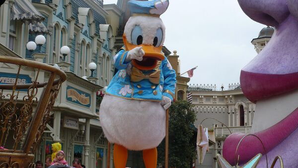 Персонаж из парка развлечений Disney World - Sputnik Беларусь