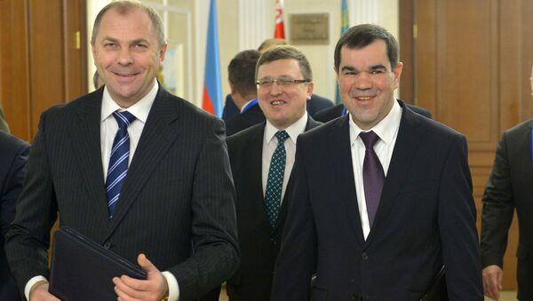 Председатель Следственного комитета Иван Носкевич (слева), председатель КГБ Валерий Вакульчик (справа), председатель ГКНТ Александр Шумилин (в центре) - Sputnik Беларусь