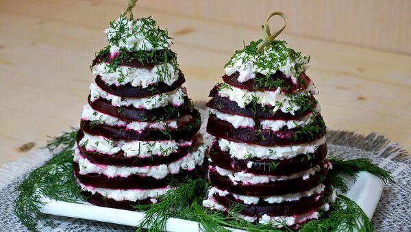 Свекольная елочка – салат из свеклы и брынзы - Sputnik Беларусь