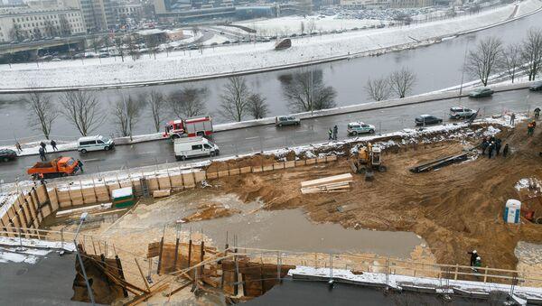 При проведении строительных работ в Вильнюсе образовался карстовый провал - Sputnik Беларусь