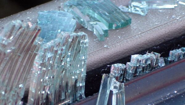 Разбитое в автомобиле стекло, архивное фото - Sputnik Беларусь
