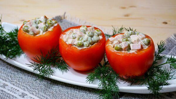 Фаршированные помидоры – вариации на тему Оливье - Sputnik Беларусь