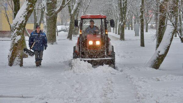 Снегоочистительный трактор - Sputnik Беларусь