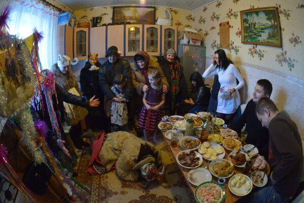 Коляды в деревне Охово Брестской области - Sputnik Беларусь