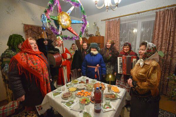 Коляды в деревне Пинковичи Брестской области - Sputnik Беларусь