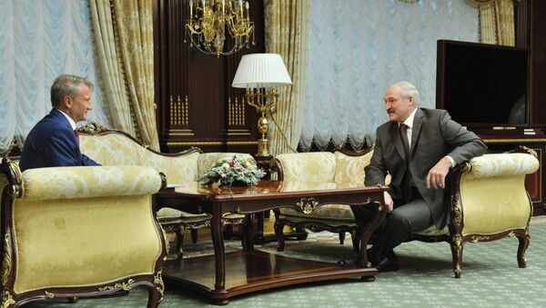 Президент Беларуси Александр Лукашенко и президент, председатель правления ПАО Сбербанк Герман Греф, архивное фото - Sputnik Беларусь