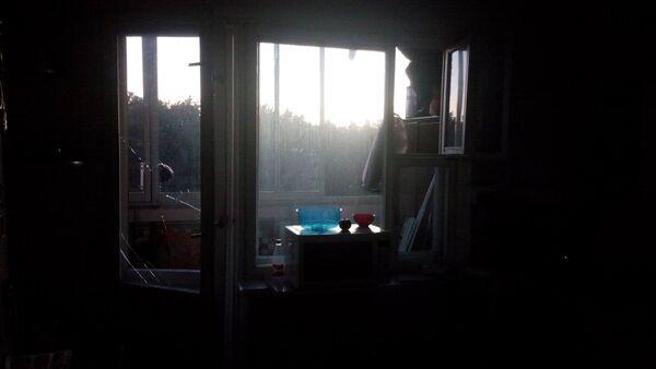 Разбитые окна в Квартире Середы - Sputnik Беларусь