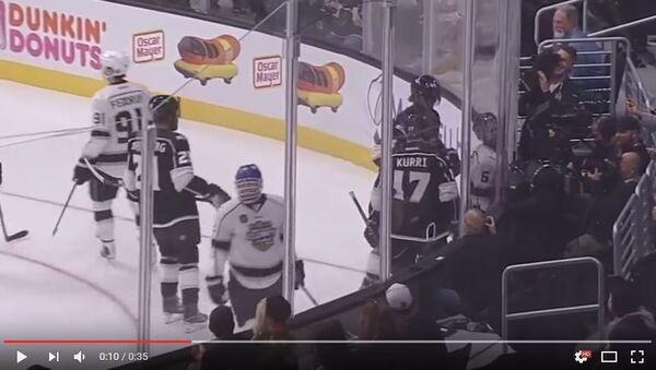 Игровой момент в Матче звезд НХЛ с участием Джастина Бибера - Sputnik Беларусь