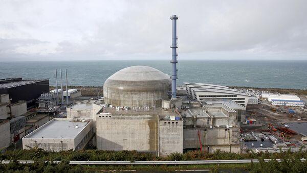 Іспанскія турысты знялі момант выбуху на АЭС у Францыі - Sputnik Беларусь